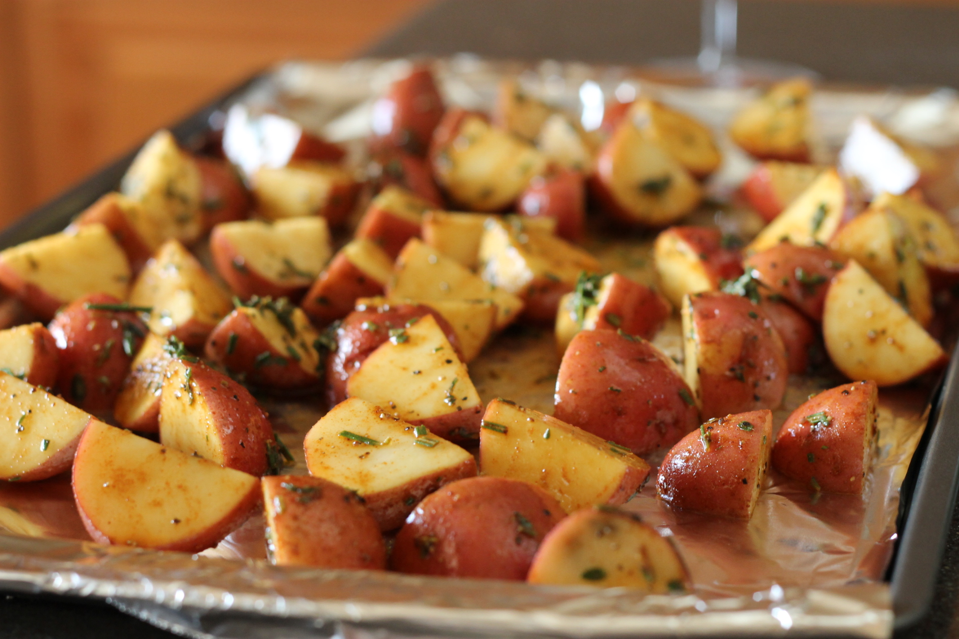 healthy side dish: roasted red potatoes | Me + Three {and counting}