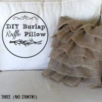 DIY Burlap Ruffle Pillow {tutorial}