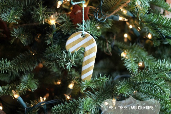 DIY Baking soda and cornstarch ornament